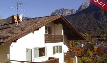 Dreifamilienhaus in Hanglage mit schönem Blick über Mittenwald
